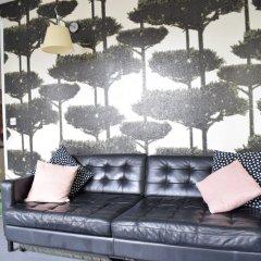 Отель Beautifully Decorated 2 Bedroom Home in Clerkenwell Лондон бассейн