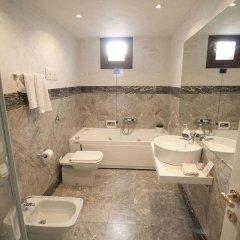 Отель Ai Sognatori Venezia Италия, Венеция - отзывы, цены и фото номеров - забронировать отель Ai Sognatori Venezia онлайн ванная