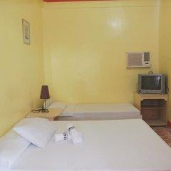 Отель M and E Guesthouse Филиппины, остров Боракай - отзывы, цены и фото номеров - забронировать отель M and E Guesthouse онлайн сейф в номере