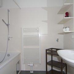 Отель Kaiser Lofts by Welcome2vienna Австрия, Вена - отзывы, цены и фото номеров - забронировать отель Kaiser Lofts by Welcome2vienna онлайн ванная