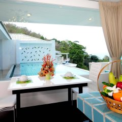 Отель Grand Bleu Ocean View Pool Suite питание