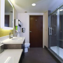 Отель Hampton Inn & Suites Columbus - Downtown США, Колумбус - отзывы, цены и фото номеров - забронировать отель Hampton Inn & Suites Columbus - Downtown онлайн ванная фото 2