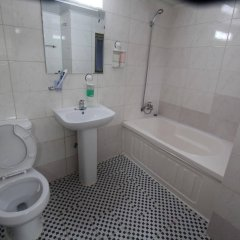 Отель Insadong Hostel Южная Корея, Сеул - 1 отзыв об отеле, цены и фото номеров - забронировать отель Insadong Hostel онлайн ванная фото 2