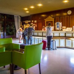 Отель Auramar Beach Resort гостиничный бар