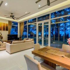 Отель Excellence Beachfront Villa Таиланд, пляж Май Кхао - отзывы, цены и фото номеров - забронировать отель Excellence Beachfront Villa онлайн интерьер отеля