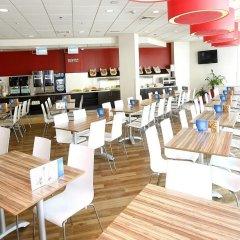 Отель Travelodge Barcelona Poblenou гостиничный бар