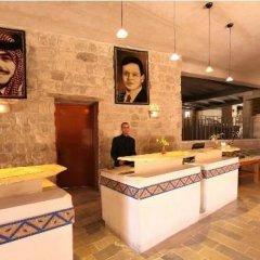 Отель Beit Zaman Hotel & Resort Иордания, Вади-Муса - отзывы, цены и фото номеров - забронировать отель Beit Zaman Hotel & Resort онлайн интерьер отеля