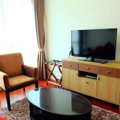 Апартаменты GM Serviced Apartment Бангкок комната для гостей