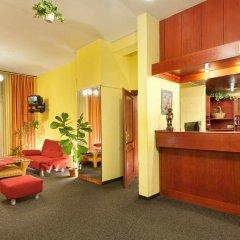 Hotel Henrietta гостиничный бар