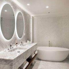 Отель NH Collection Madrid Eurobuilding ванная