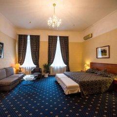 Гранд Отель Украина комната для гостей фото 3