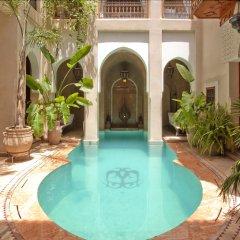 Отель Riad Monika Марокко, Марракеш - отзывы, цены и фото номеров - забронировать отель Riad Monika онлайн бассейн фото 2
