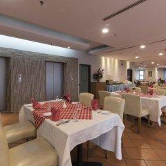 Отель REGALPARK Hotel Kuala Lumpur Малайзия, Куала-Лумпур - отзывы, цены и фото номеров - забронировать отель REGALPARK Hotel Kuala Lumpur онлайн питание фото 2