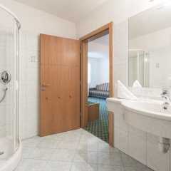 Saldur Small Active Hotel Злудерно ванная