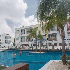 Отель Tsokkos Holiday Hotel Apartments Кипр, Айя-Напа - 1 отзыв об отеле, цены и фото номеров - забронировать отель Tsokkos Holiday Hotel Apartments онлайн бассейн фото 3