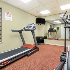 Отель Hawthorn Suites Columbus North Колумбус фитнесс-зал