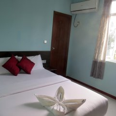Отель Coral Queen Inn Мале комната для гостей