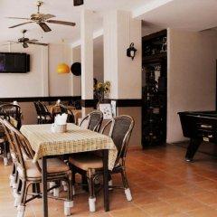 Отель The Album Loft at Phuket питание фото 3