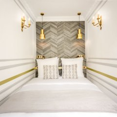 Отель Sunshine 2 bedroom - Luxury at Louvre Париж интерьер отеля