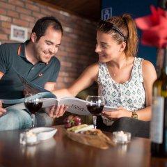 Menendi Otel Турция, Фоча - отзывы, цены и фото номеров - забронировать отель Menendi Otel онлайн гостиничный бар