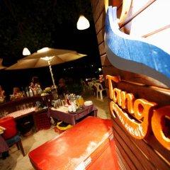 Отель Tango Beach Resort питание