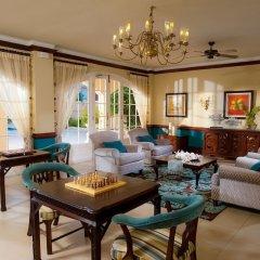 Отель Sandals Inn All Inclusive Couples Only интерьер отеля
