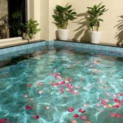 Alba Hotel бассейн