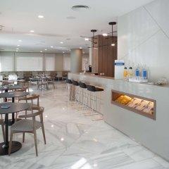 Отель NH Madrid Barajas Airport
