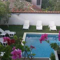Отель Brilliantin Guest House Болгария, Свети Влас - отзывы, цены и фото номеров - забронировать отель Brilliantin Guest House онлайн бассейн