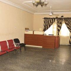 Liz Ani Hotel Annex Калабар интерьер отеля