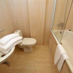 Corona Hotel & Apartments ванная