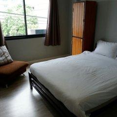 Отель 1989 Hostel & Cafe Таиланд, Бангкок - отзывы, цены и фото номеров - забронировать отель 1989 Hostel & Cafe онлайн комната для гостей фото 3