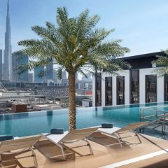 La Ville Hotel & Suites CITY WALK, Dubai, Autograph Collection бассейн