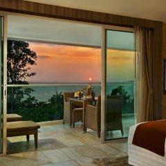 Отель Centara Grand Phratamnak Pattaya гостиничный бар