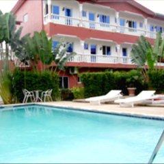 Отель Hilary Hotel Республика Конго, Пойнт-Нуар - отзывы, цены и фото номеров - забронировать отель Hilary Hotel онлайн бассейн