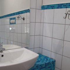 Гостиница Хостел Изба в Барнауле 7 отзывов об отеле, цены и фото номеров - забронировать гостиницу Хостел Изба онлайн Барнаул ванная