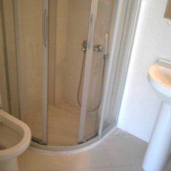 Melaike Otel Турция, Фоча - отзывы, цены и фото номеров - забронировать отель Melaike Otel онлайн ванная фото 2