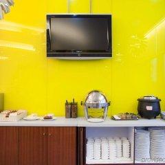 Отель Holiday Inn Express Shenzhen Luohu Китай, Шэньчжэнь - отзывы, цены и фото номеров - забронировать отель Holiday Inn Express Shenzhen Luohu онлайн удобства в номере