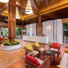 Отель Thara Patong Beach Resort & Spa Таиланд, Пхукет - 7 отзывов об отеле, цены и фото номеров - забронировать отель Thara Patong Beach Resort & Spa онлайн интерьер отеля