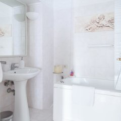 Отель Martina a Via Toscana Италия, Рим - отзывы, цены и фото номеров - забронировать отель Martina a Via Toscana онлайн ванная