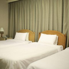 Brown Tourist Hotel комната для гостей