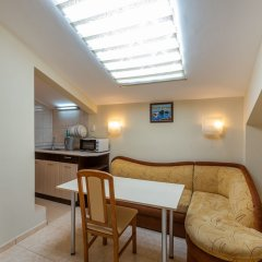 Апартаменты 1 Bedroom Apartment in Dafinka Guest House Равда комната для гостей фото 4