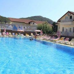 Carmina Hotel Турция, Олудениз - 3 отзыва об отеле, цены и фото номеров - забронировать отель Carmina Hotel онлайн бассейн фото 2