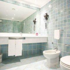 Отель Atahotel Capotaormina Италия, Таормина - 3 отзыва об отеле, цены и фото номеров - забронировать отель Atahotel Capotaormina онлайн ванная