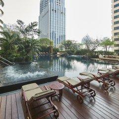 Отель Grande Centre Point Hotel Ratchadamri Таиланд, Бангкок - 1 отзыв об отеле, цены и фото номеров - забронировать отель Grande Centre Point Hotel Ratchadamri онлайн бассейн фото 3