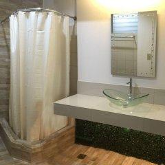 Отель 1775 Adriatico Suites Филиппины, Манила - отзывы, цены и фото номеров - забронировать отель 1775 Adriatico Suites онлайн ванная фото 2