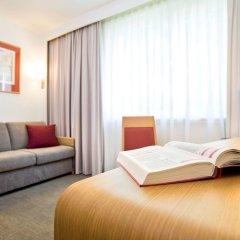 Отель Novotel Genève Aéroport France Франция, Ферней-Вольтер - отзывы, цены и фото номеров - забронировать отель Novotel Genève Aéroport France онлайн комната для гостей