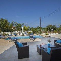Отель Protaras St Raphael Villa бассейн