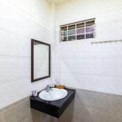 Отель Bong'S House Homestay Хойан ванная фото 2