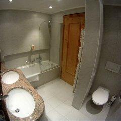 Отель Bären Швейцария, Санкт-Мориц - отзывы, цены и фото номеров - забронировать отель Bären онлайн ванная